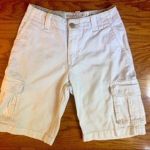 Men's Aeropostale size 28 white cargo shorts